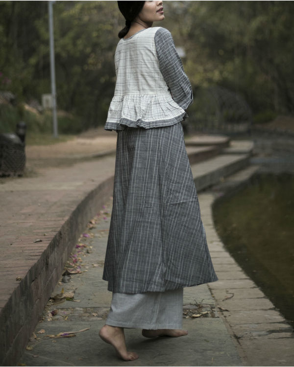 Grey flared kurta set with jacket 2