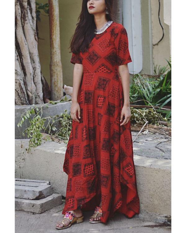 Red pattern dress 1