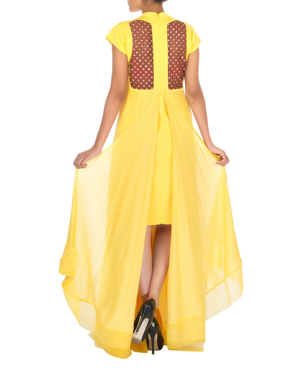 Four panelled yellow gown 1