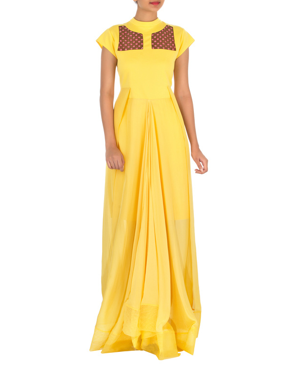 Four panelled yellow gown 2