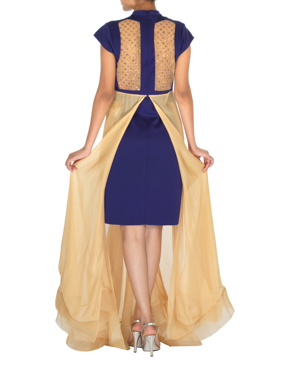 Four panelled blue and beige gown 1