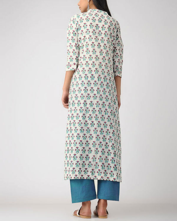 Notched mogra kurta 2