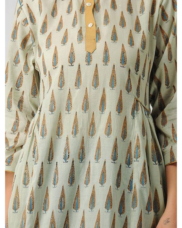 Brown close neck kurta 1