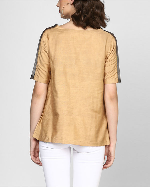 Beige embroidered top with pocket 2