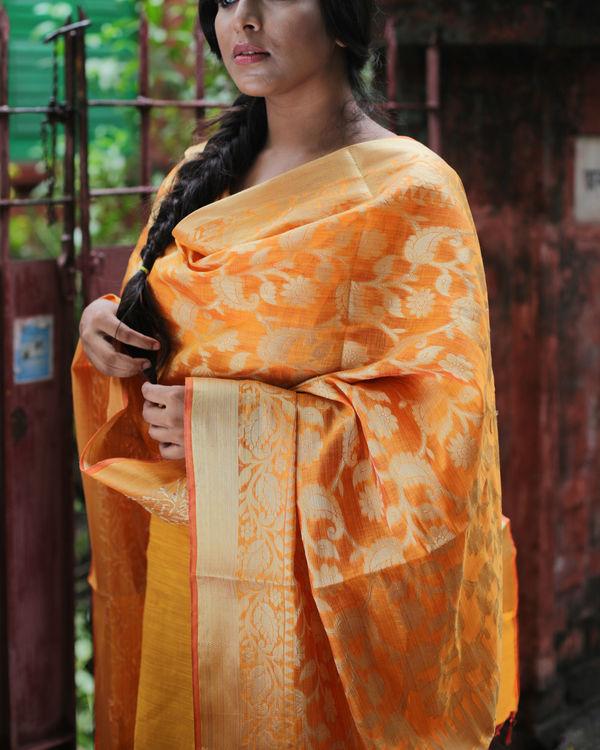Yellow chanderi kurta with pants and chanderi dupatta 1