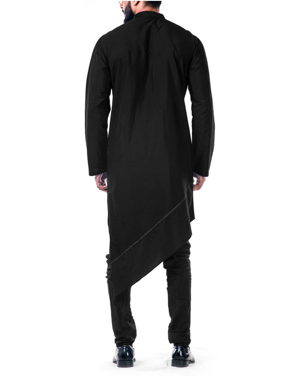 Black  asymmetrical hemline embroidered kurta set 2