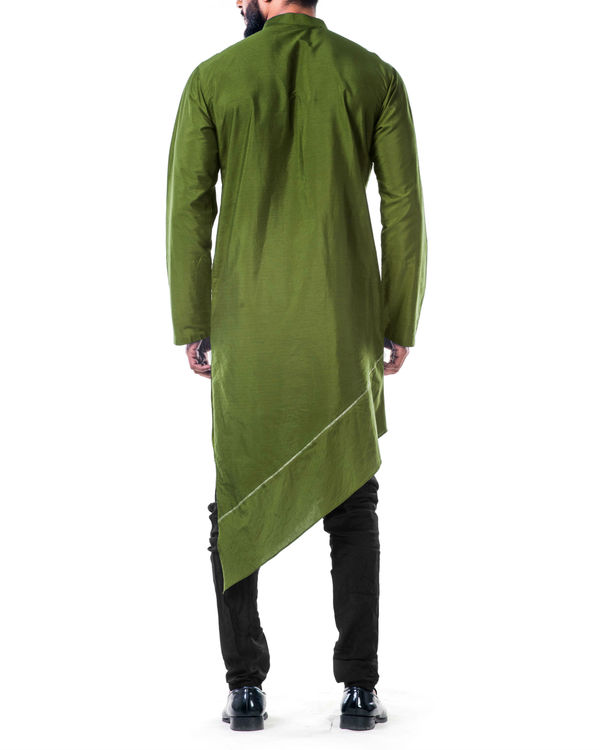 Green  asymmetrical hemline embroidered kurta set 2