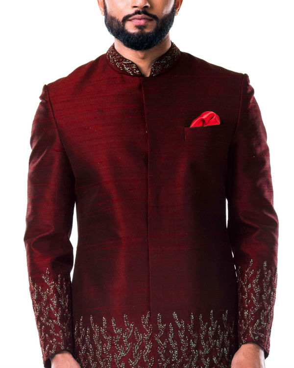 Maroon hand embroidered thread work sherwani set 1