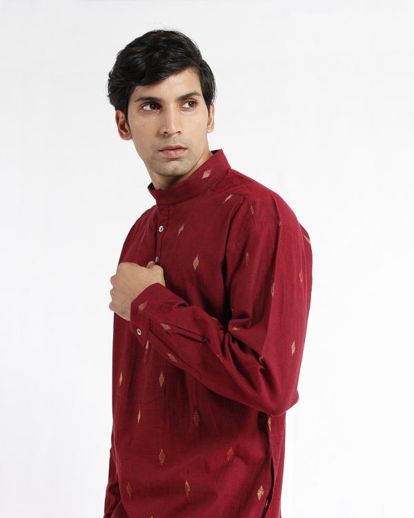 Maroon handwoven cotton drop shoulder kurta 3
