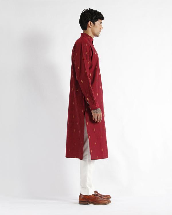 Maroon handwoven cotton drop shoulder kurta 1
