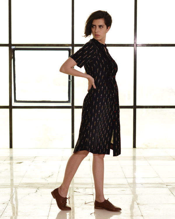 Classic fitted shirt dress in ikat 1