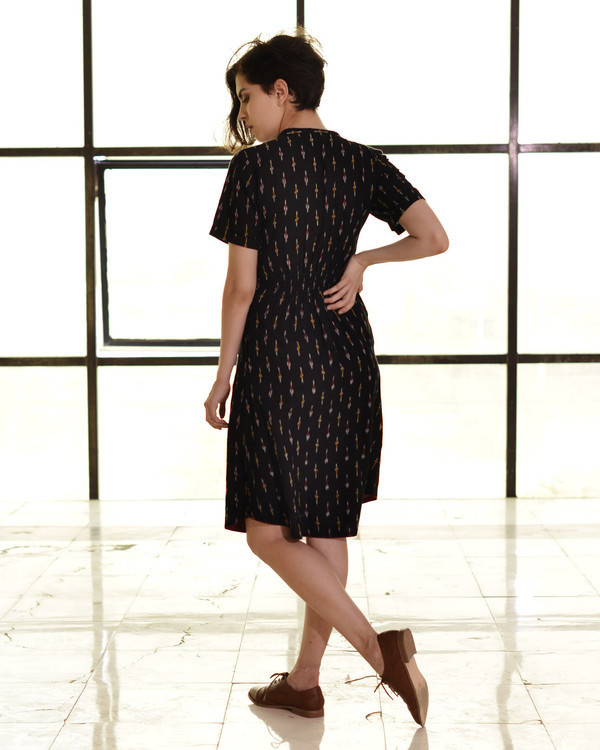 Classic fitted shirt dress in ikat 2