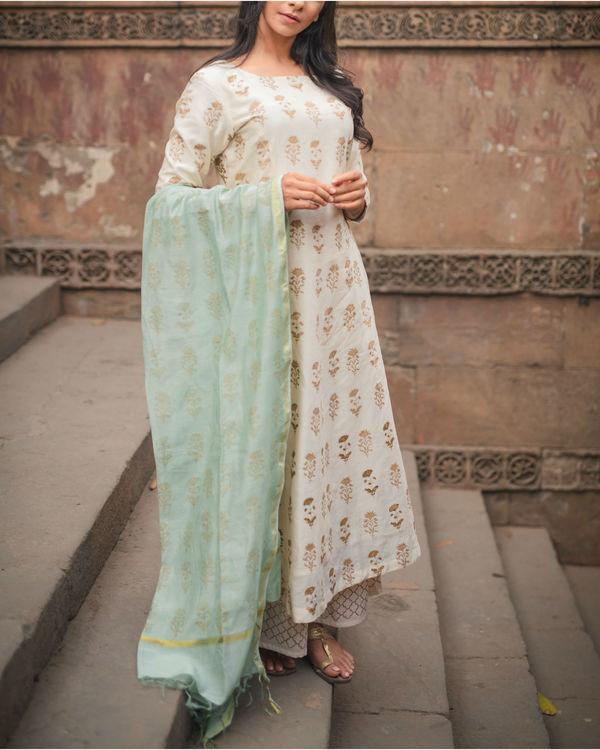 Chandi Ghera Kurta Set with Dupatta 2