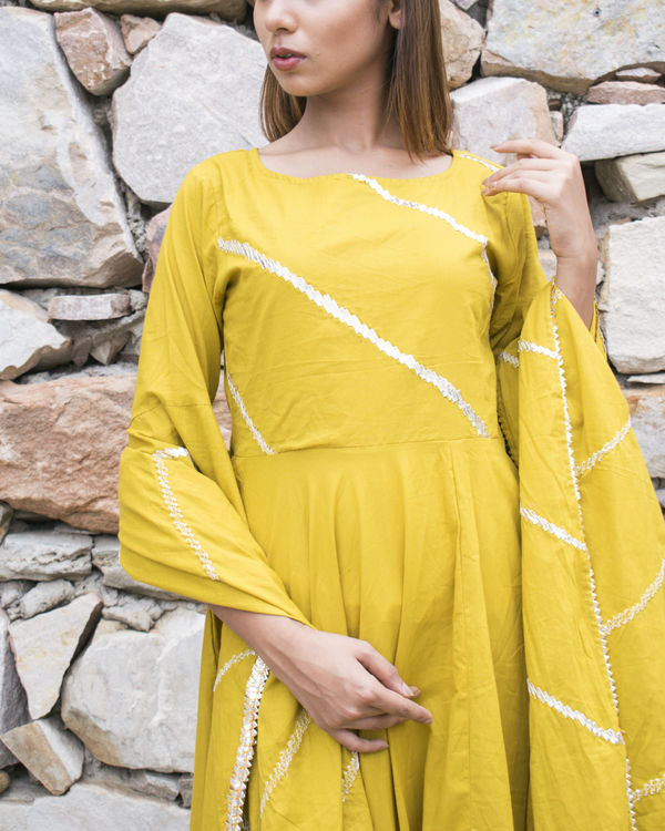 Yellow gota suit set with dupatta 2