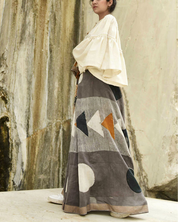 Grey triangle print sari 2