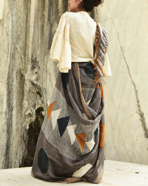 Grey triangle print sari 1