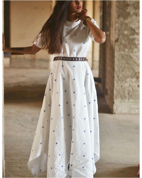 White uneven hemline dress 2