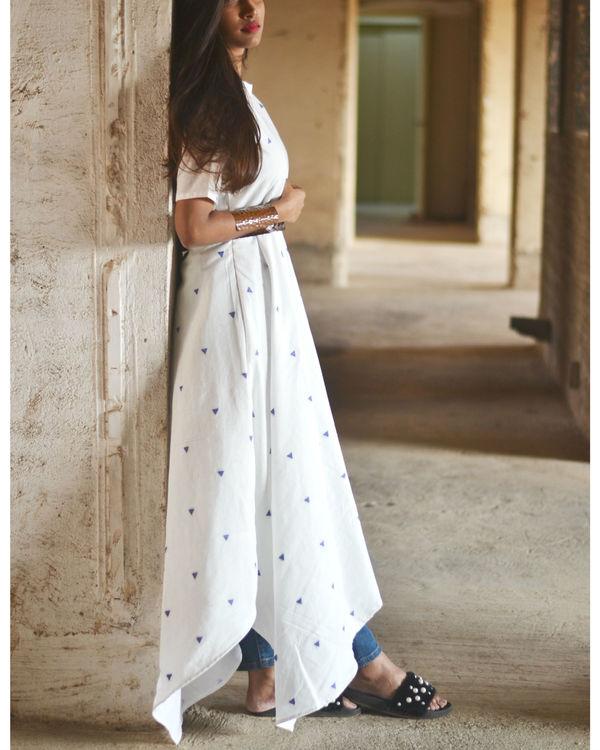 White uneven hemline dress 1