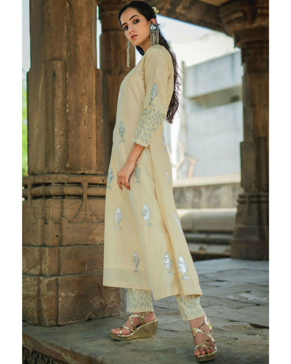 Ivory fish printed kurta pant set 2