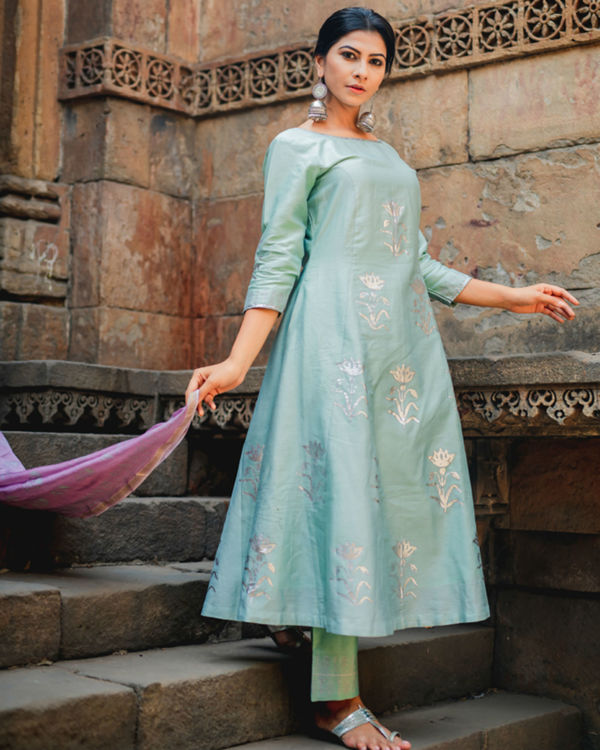 Mint green floral printed set with dupatta 2