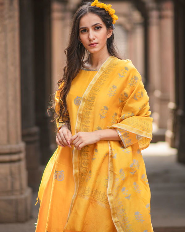 Mustard printed kurta set with dupatta 2