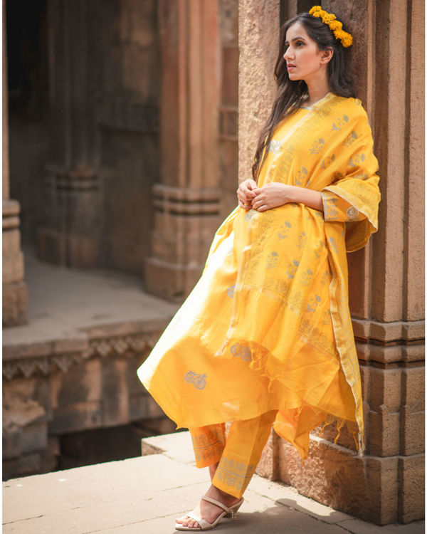 Mustard printed kurta set with dupatta 1