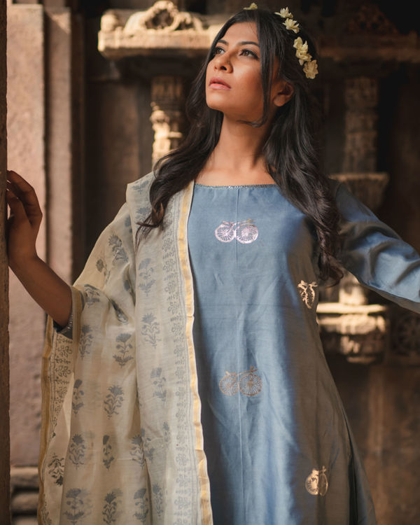 Blue cycle printed kurta set with dupatta 3