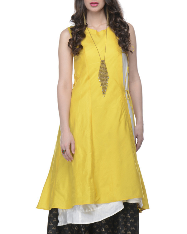 Yellow and white tunic 1