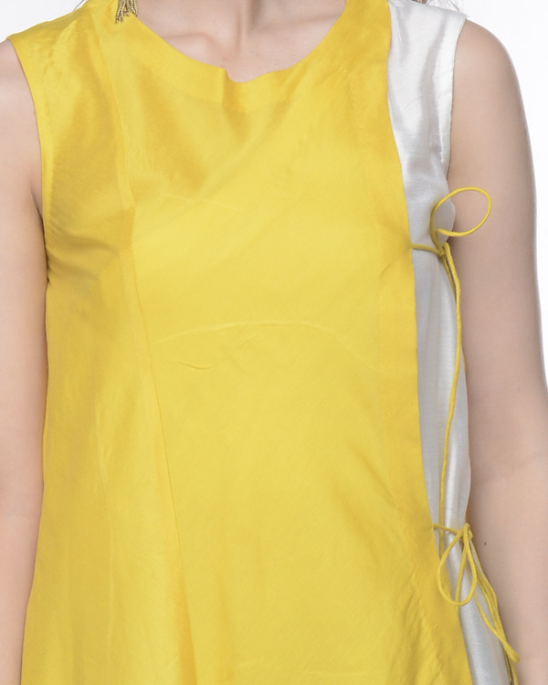 Yellow and white tunic 3