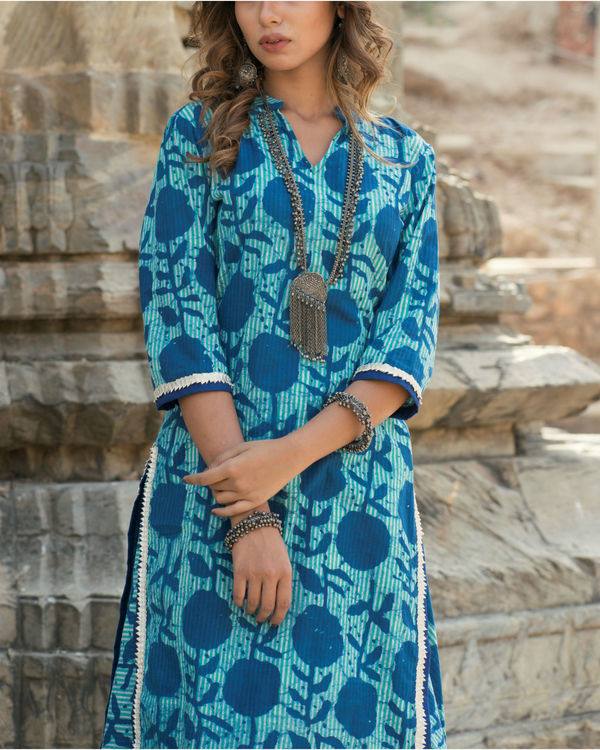 Blue blossom kurta and skirt set 1