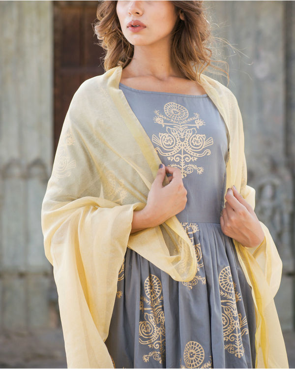 Gold and grey suit set with dupatta 2