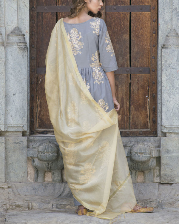 Gold and grey suit set with dupatta 1