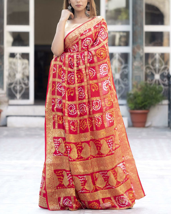 Red checked sari with blouse 1