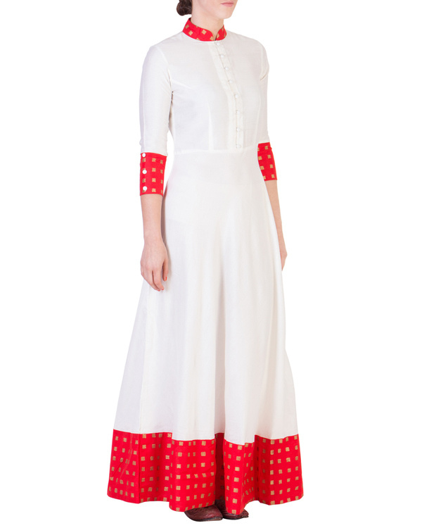 Floor length dress with red detailing 1