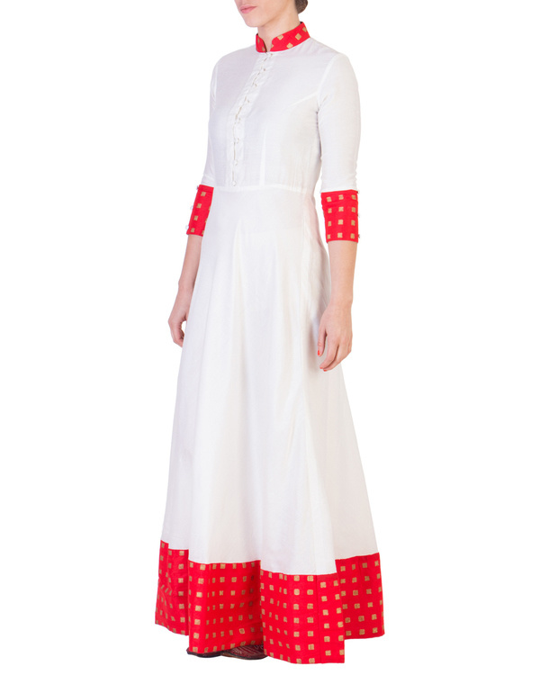 Floor length dress with red detailing 2