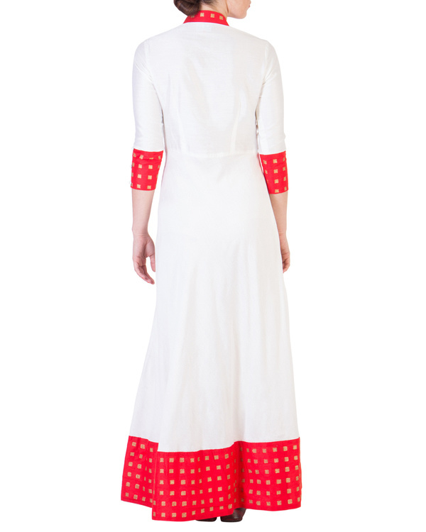 Floor length dress with red detailing 3