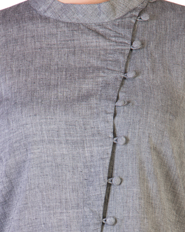 Grey tunic with assymetrical buttoning 4