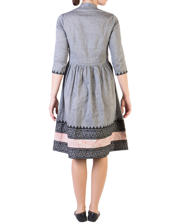 Grey mangalgiri dress with printed borders 2