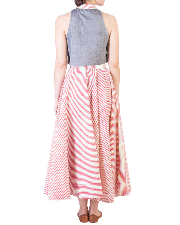 Grey mangalgiri crop top and muslin skirt with red stripes 2