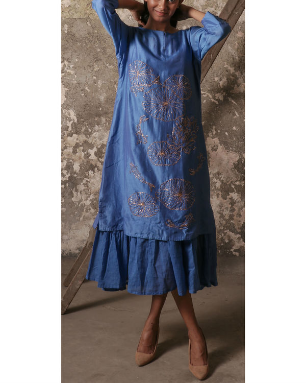 Blue pond kurta with gathered inner 2