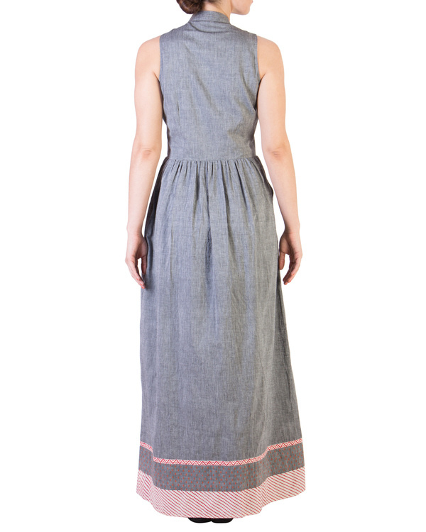 Grey mangalgiri maxi with red detailing 2