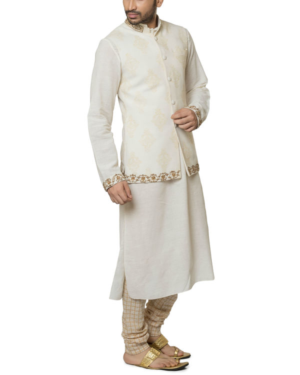 Khadi cotton hand embroidered kurta set 2