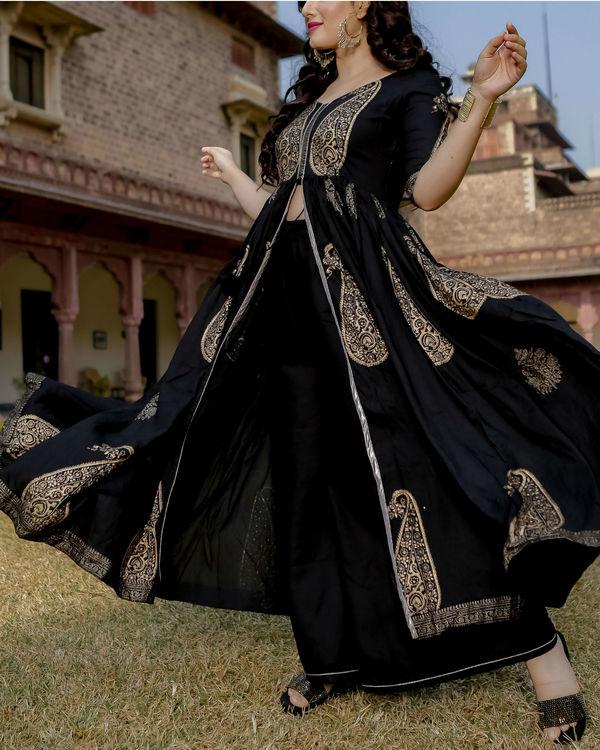 Black mughal motif hand block set 1