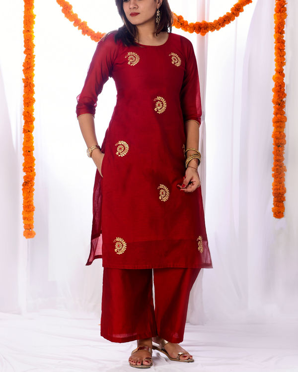 Red chanderi kurta set with dupatta 2