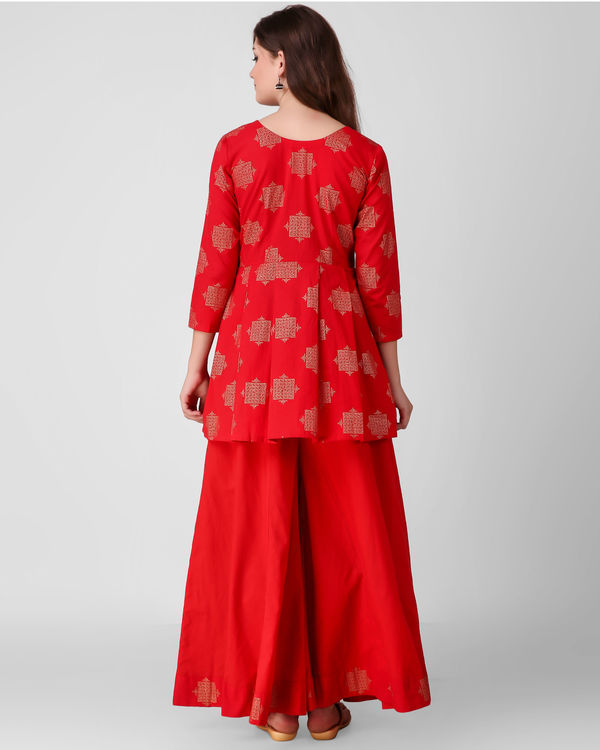 Red golden print pleated set 1