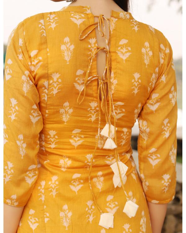 Breezy yellow dress 1