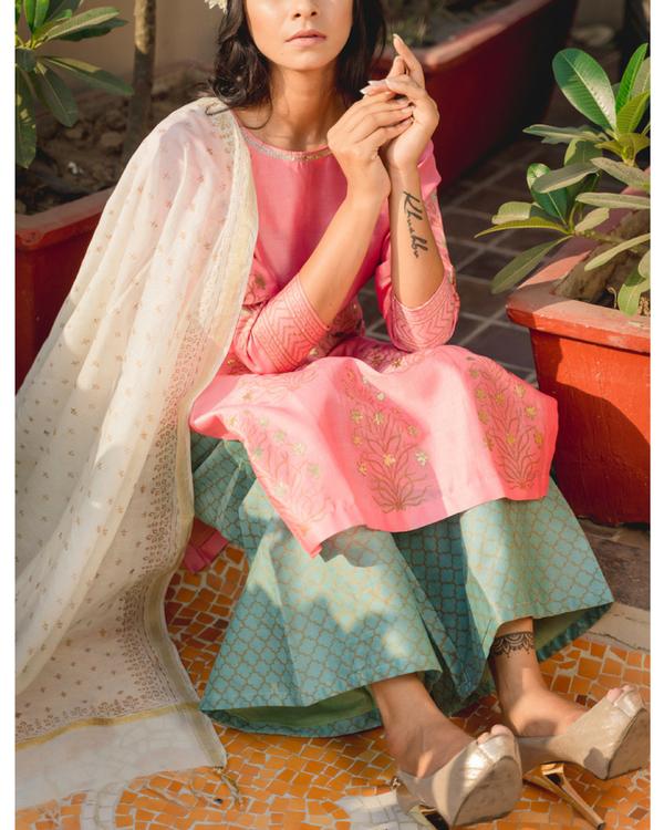 Chanderi mustaqil phool set with dupatta 1