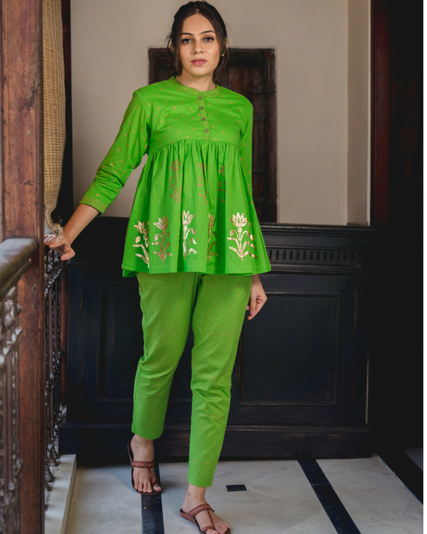 Short kurta set with dupatta 2