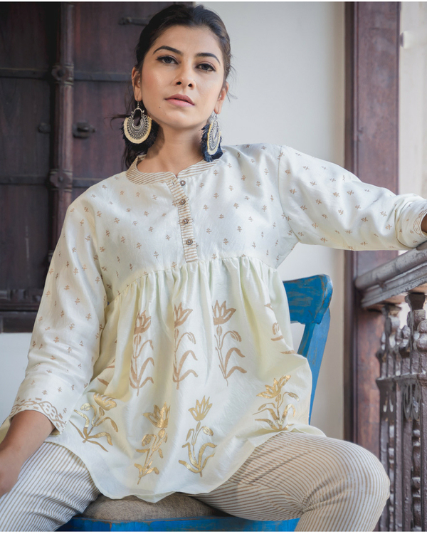 Azmat phool top with pants 1