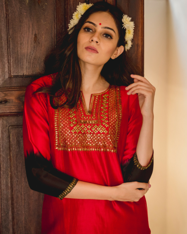 Naaz aari chanderi kurta set with dupatta 1